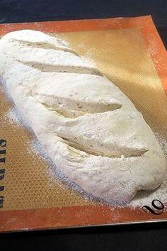 L'autolyse ou faire son pain comme chez le boulanger - Welcome! Cooking Chef, Cooking Recipes, Beignets, Thermomix Bread, Vegetable Bread, Vegan Kitchen, Eat Smart, Hot Dog Buns, Food Hacks