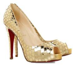 Encantadores tacones dorados de novia  6