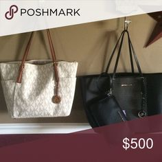 SHOWING Wantin to trade one and other bags FOR LV Both perfect vanilla I actually just got today from macys in the mail today Bags