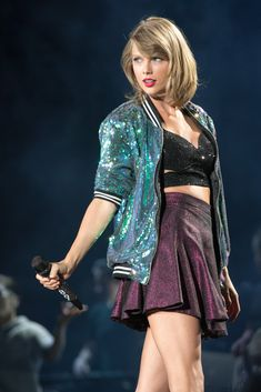 Taylor Swift - 1989 World Tour in Chicago, Illinois With Lisa, lana, Kendall and tessa Long Live Taylor Swift, Taylor Swift Hot, Taylor Swift Quotes, Taylor Swift Pictures, 8k Ultra Hd, The 1989 World Tour, 1989 Tour, Barbie, Now And Forever