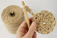Have you noticed that natural jute decor is bang on trend right now? In this tutorial, you'll learn how to crochet the rounds and create a stunning contrast between the natural jute and metallic. Crochet Motif, Crochet Stitches, Knit Crochet, Loom Knitting, Knitting Patterns, Crochet Patterns, Crochet Hooded Scarf, Coaster Crafts, Beaded Bags