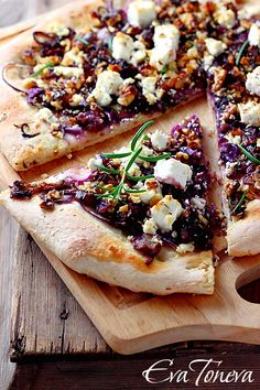 Pizza With Caramelized Onions, Goat Cheese And Rosemary