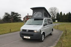 Full Nomad conversion to VW T5 with Reimo super flat elevating roof
