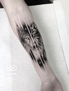 60 Amazing Wolf Tattoos - The Best You'll Ever See - Straight Blasted Wolf Tattoos Men, Dot Tattoos, Animal Tattoos, Black Tattoos, Body Art Tattoos, Hand Tattoos, Small Tattoos, Tattoos For Guys, Circle Tattoos