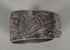 Charles Edenshaw (1839–1920) was a Haida artist from Haida Gwaii, British Columbia, Canada. He is known for his woodcarving, argillite carving, jewellery, and painting. Native Indian, Native Art, Native American Art, Art Nouveau Ring, Haida Gwaii, Haida Art, Tlingit, Native Design, Canadian Art