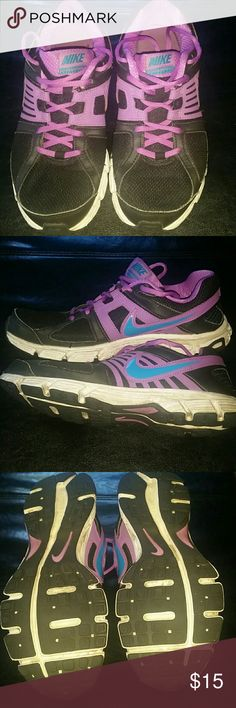 3579e60285 Women s nike downshifter 5 Preloved condition with lots of life left Nike  Shoes Athletic Shoes