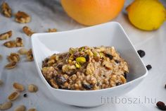 Oatmeal in a way of dessert? I like to prepare a variety of oatmeals for breakfast, but this one is a special one for me. I love the Baklava and this porridg. The Oatmeal, Breakfast Porridge, Mets, Granola, Pumpkin Spice, Baked Goods, Smoothies, Healthy Recipes, Cooking