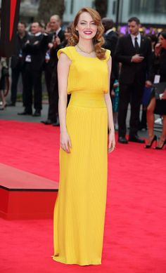The gorgeous Emma Stone just stepped out looking absolutely perfect in a custom-made Atelier Versace gown at the world premiere of her new film The Amazing Spider-Man 2 right now in London! #VersaceCelebrities #AtelierVersace