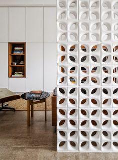Os cobogós, também chamados de elementos vazados, são alternativas versáteis e criativas para dividir ambientes garantindo ventilação, ilum...