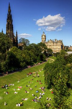Summer in Edinburgh, Scotland, UK. I want this right now.