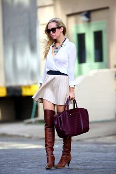 Brooklyn Blonde with her Brian Atwood Bag Brooklyn Blonde, Looks Street Style, Looks Style, My Style, Brian Atwood, Classy Outfits, Cute Outfits, Mode City, Winter Stil