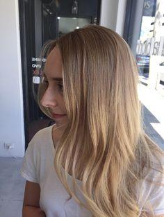 Warm Blonde, Blondes, My Hair, Hair Color, Hair Beauty, Long Hair Styles, Haircolor, Long Hairstyle, Long Haircuts