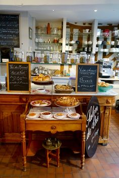 La Petite Chine, Honfleur, where the best ever crumble, coblers and fruit pies great you.
