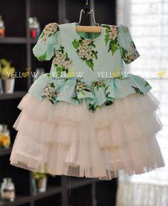Kids Party Wear Dresses, Kids Dress Wear, Girls Special Occasion Dresses, Girls Maxi Dresses, Kids Gown, Stylish Dresses For Girls, Baby Dresses, Kids Wear, Cotton Frocks For Kids