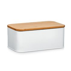 This bread bin is made of high quality metal and bamboo. It is not only a visual highlight in the kitchen but it also keeps baked goods fresh and ready to eat. Bread Bin, Kitchenware, Tableware, Küchen Design, Kitchen Interior, Decoration, Home Deco, Baked Goods, Home Furniture