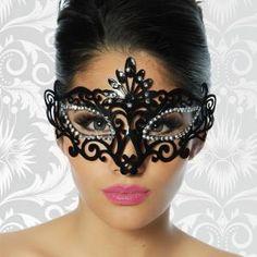 Nur mit den richtigen Accessoires ist ein Outfit komplett! Sehr schön gearbeitete und filigran wirkende Maske, welche mit...