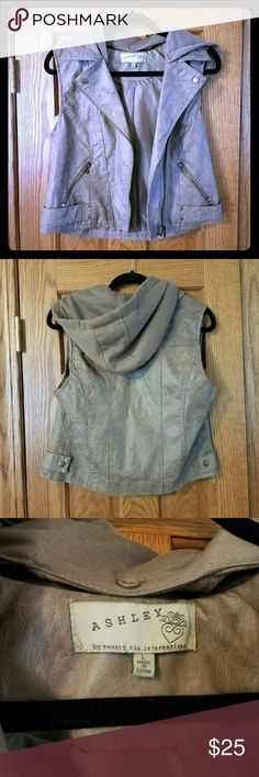 26 International Ashley brand faux leather vest Twenty six international Ashley brand. Tan faux leather vest with hood. Fits more like a big medium. Super cute worn in look and in great condition. twenty six international Jackets & Coats Vests