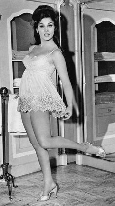 Actress Ann Margret Pin Up - Publicity Photo Ann Margret Photos, Retro Lingerie, Teddy Lingerie, Famous Women, Famous Celebrities, Vintage Hollywood, Hollywood Divas, Hollywood Star, Classic Hollywood