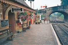 a fabulous day ♥ - I'm just an oldfashioned gal ♥ ♥ 2015 Severn Valley, River Severn, Old Train Station, Train Stations, Interesting Photos, Cool Photos, Boys Train Room, Journey's End, Steam Railway