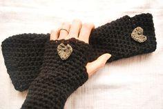 Mittens Arm Warmers / MEGGIE / Crochet / Black di TheSlowCatwalk, €18.00