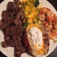 Steak bites, broccoli and cheese, shrimp, baked potato w/ sour cream and cheese ✨TropicalJoycelin ✨ Snack Recipes, Cooking Recipes, Snacks, Food Goals, Aesthetic Food, Food Cravings, I Love Food, Soul Food, Food Dishes