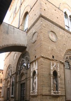 Orsanmichele Church and Museum - Florence. Орсанмикеле, деталь.