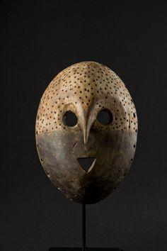 Pere *** African Masks, African Art, Art Premier, Art Diy, Cool Masks, Statues, Beautiful Mask, Art Sculpture, Masks Art