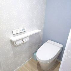 Bathroom/アクセントクロス/クッションフロア/サンゲツ/ブルー系/ブルーの壁のインテリア実例 - 2018-01-25 11:16:21 Small Bathroom, Toilet, Diy And Crafts, New Homes, Interior, House, Living Room Ideas, Small Shower Room, Compact Bathroom