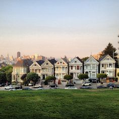 Painted Ladies in San Francisco, CA Full House! Places In San Francisco, San Francisco California, Places Ive Been, Places To Go, Alamo Square, Painted Ladies, Built Environment, Full House, Woman Painting