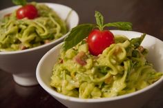 Pâtes au zucchini, avocat et tomate #recettesduqc #vege #vegan