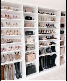 Walk In Closet Design, Bedroom Closet Design, Master Bedroom Closet, Closet Designs, Bedroom Wardrobe, Wardrobe Design, Closet Storage Bins, Organizing Walk In Closet, Closet Organization