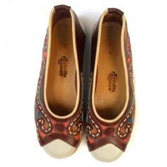 Sapato de couro natural com bico quadrado feito por artesão Espedito Seleiro do Ceará