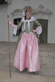 Tailor's - Hanka, Rococo dress ---- I LOVE the quilting on the skirt... so gorgeous!