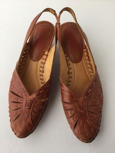 PIKOLINOS Shoes 39 8.5 Brown Leather Cut-Out Slingback Kitten Low Heel Sandals  #Pikolinos #Slingbacks #Casual
