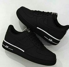 Shopping For Men's Sneakers. Are you searching for more information on sneakers? In that case simply click right here for addiitional information. Mens Sneakers For Work Sneakers Fashion, Fashion Shoes, Sneakers Nike, Black Shoes Sneakers, Nike Fashion, Black Trainers Outfit, Cool Trainers, Zara Sneakers, Girls Shoes