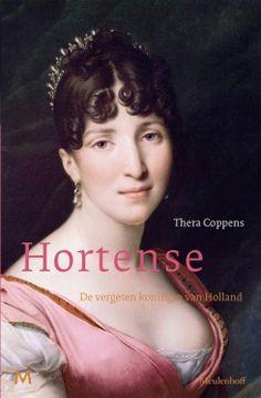 Hortense de Beauharnais (1783-1837) trouwde met de broer van de keizer: Louis Napoleon. Het huwelijk van de levenslustige, artistiek begaafde Hortense met deze zwartgallige, manke en ziekelijke man bleek rampzalig. In 1806 werd Louis verheven tot koning van Holland en nam Hortense haar intrek in Huis ten Bosch. Vier jaar later keerde ze terug naar Frankrijk, waar de rol van Napoleon al snel was uitgespeeld.