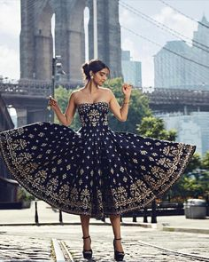 PERNIA'S POP-UP SHOW MUMBAI Dress like your favorite celebrity! Shop @anitadongre's latest collection at the @perniaspopupshow in Mumbai on the 21st & 22nd September 2018 at the NSCI Dome!