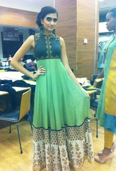 Make short Anarkali dress into long by adding different style or color panel. Indian Gowns, Indian Attire, Pakistani Dresses, Indian Wear, Indian Outfits, Pakistani Suits, India Fashion, Asian Fashion, Women's Fashion