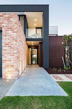 Brick Cladding, House Cladding, Brick Facade, Exterior Cladding, Brickwork, Facade House, Modern Brick House, Modern House Facades, Modern House Design