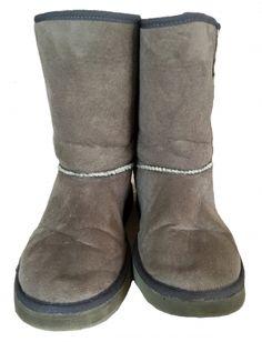 Je viens de mettre en vente cet article  : Bottines & low boots plates  25,00 € http://www.videdressing.com/bottines-low-boots-plates/inblu/p-5565312.html?utm_source=pinterest&utm_medium=pinterest_share&utm_campaign=FR_Femme_Chaussures_Bottines+%26+low+boots_5565312_pinterest_share