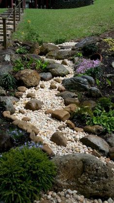03 Stunning Front Yard Pathway Landscaping Ideas