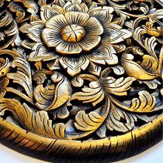 Relief Wandbild Teak Holz 60cm Blütenmuster rund gold