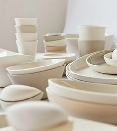 Mmmm... I love part-matte, part-glazed pottery. Simple pleasures.