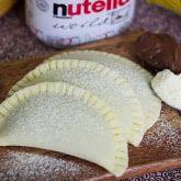 Pastel de leite ninho com recheio de nutella