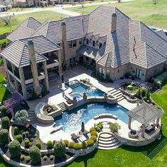 Gorgeous home exterior. Big mansion with back yard pool Hinterhof Ideen Luxus 22 Best Luxury Living Room Ideas - fancydecors Dream Home Design, My Dream Home, House Design, Dream Home Plans, Floor Design, Dream Big, Future House, Dream Mansion, House Plans Mansion