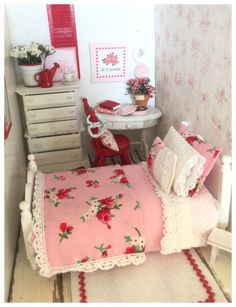 Miniature Dollhouse Single Pink and Red Floral Full bedding only Set 1:12 scale