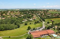 Golf d'Estolosa, Haute-Garonne, Occitanie, France. Vidéo aérienne sur FlyOverGreen / Aerial video on FlyOverGreen