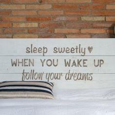 Cabecero cama doble | La tienda de La Factoría Plástica Rattan, I Feel Good, Home Art, Bed Pillows, Sweet Home, Art Deco, Sleep, Diy, Business Ideas
