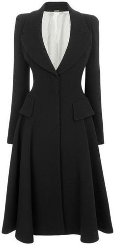 Alexander McQueen Crepe Riding Coat for when I'm an Austen era governess Gothic Fashion, Look Fashion, Winter Fashion, Vintage Fashion, Womens Fashion, Mode Vintage, Mode Outfits, Beautiful Outfits, Vintage Outfits