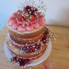 White chocolate, raspberry naked cake! Pretty romantic nude cake for birthdays, wedding, garden party. Natural cakes.